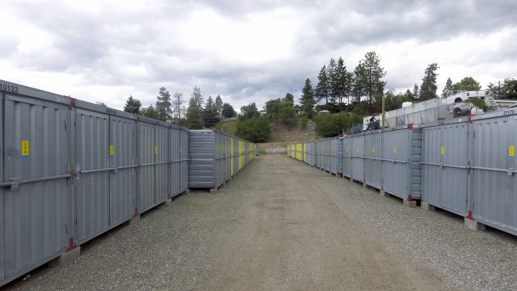 storage containers, isle